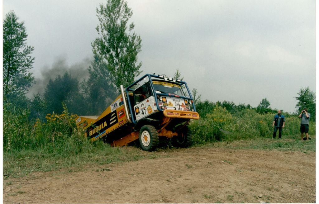 Autoprodukt Praga 6x6 (10)